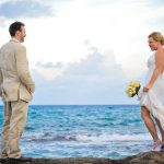 wedding romantic couple photo in cozumel